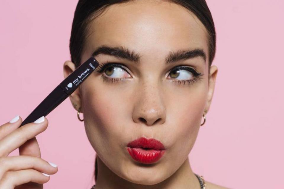 Mayor parte del maquillaje, contaminado con superbacterias estudio