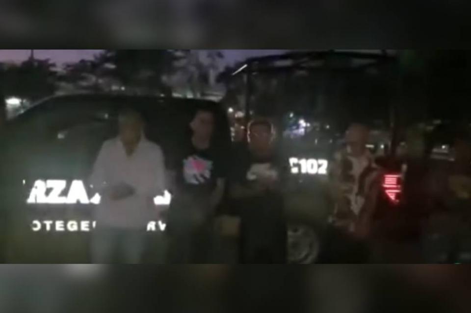 """En Nuevo León, policías obligan a detenidos a bailar y cantar  """"Un violador en tu camino"""""""