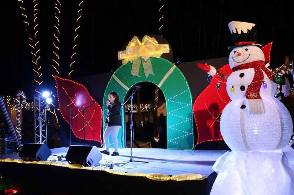 Más de dos mil 500 alumnos participan en Festival Cultural Decembrino