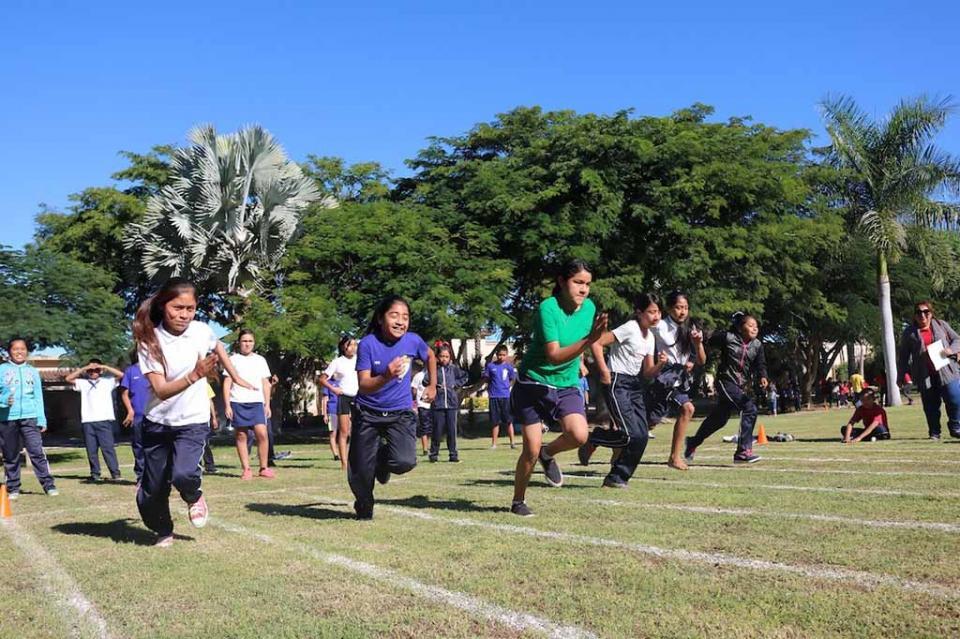 Realiza SEP encuentro deportivo entre escuelas para niños migrantes