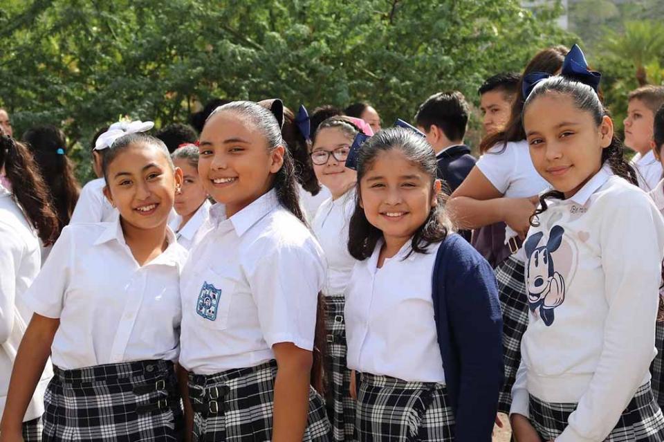 Invierte Gobierno del Estado más de 295 millones de pesos en útiles y uniformes escolares