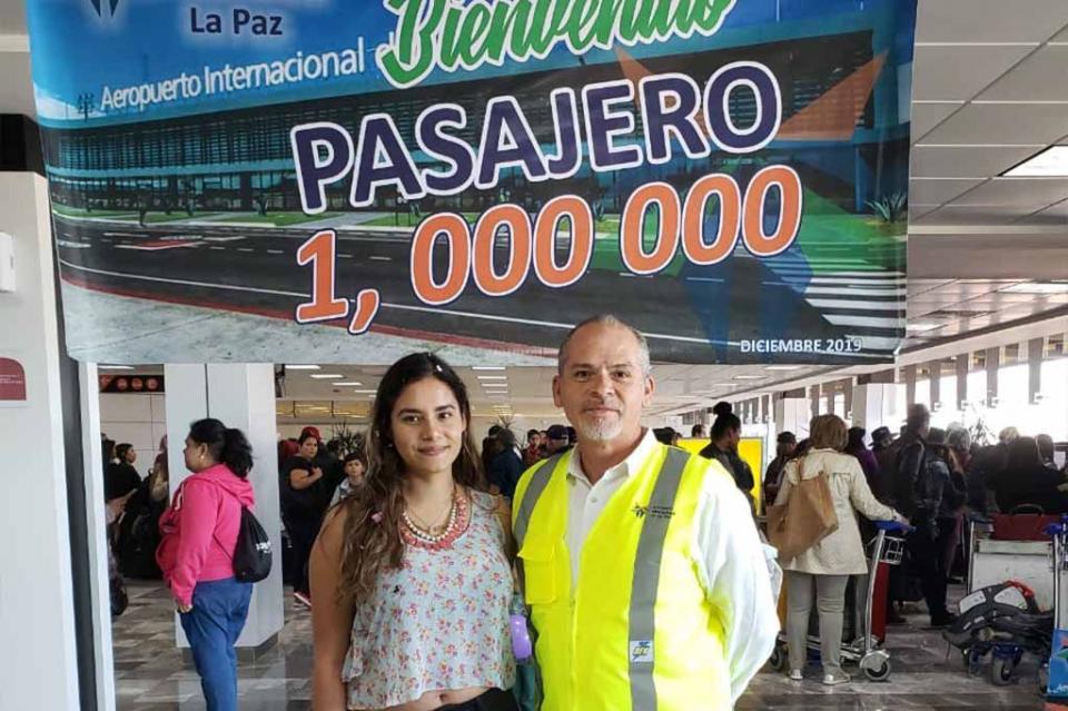 Llega pasajero un millón al aeropuerto de La Paz