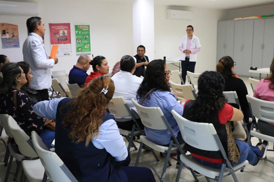 Salud capacitó a personal operativo en trato equitativo y respetuoso