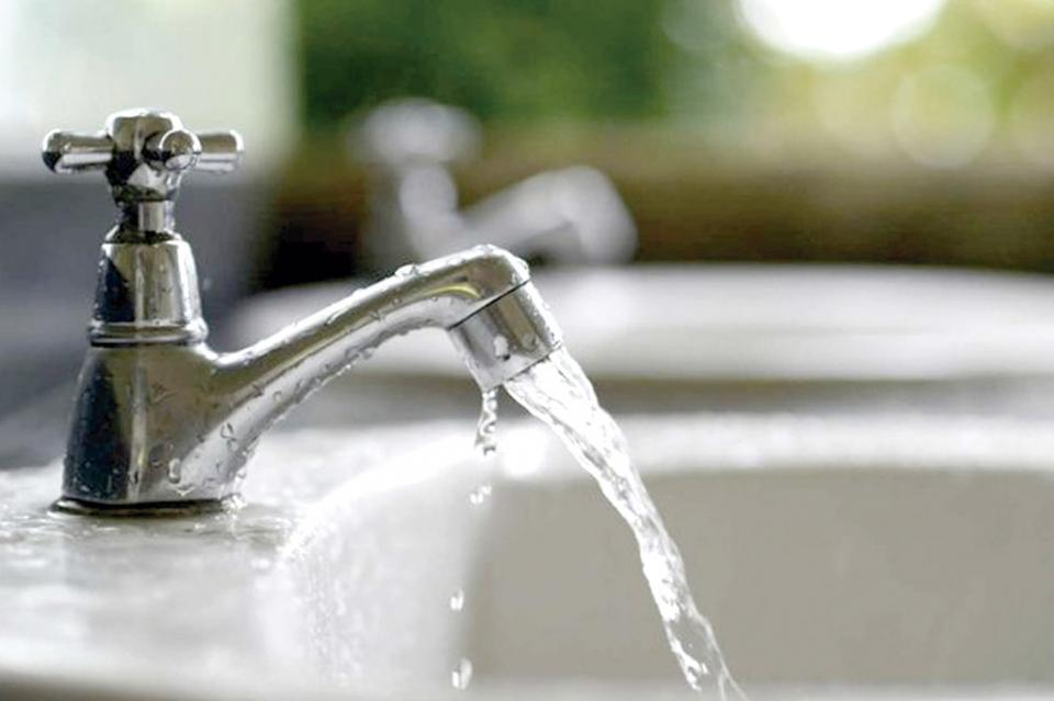 Hasta 20 días sin agua en colonia  Las Palmas