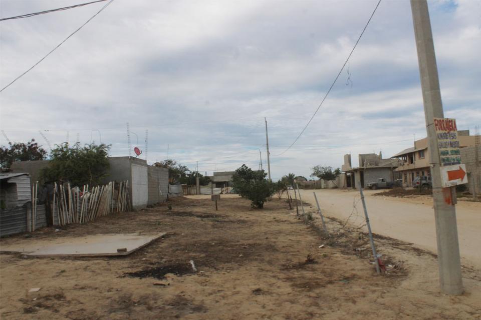 Iniciarán el próximo año obras de introducción de agua potable en La Ballena: Urbano Castro