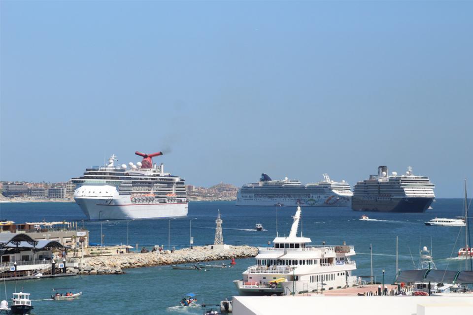 Hoy cuádruple arribo de cruceros en bahía de Cabo San Lucas: Ricardo Araoz de El Médano