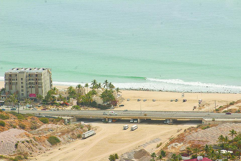 Falta infraestructura e impera la anarquía; gran problema de  Los Cabos, urgen soluciones