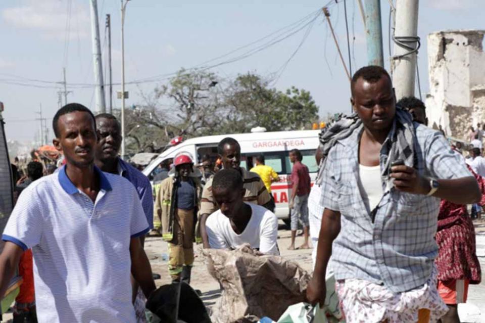 Aumenta a más de 100 los muertos en Somalia por atentado
