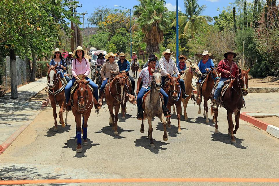 """Más de 150 jinetes participarán en la primera cabalgata """"Dos Mares"""" que dará promoción turística y beneficiará a productores locales"""