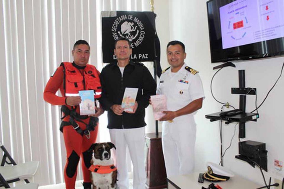 Dona Instituto de Cultura de BCS acervo bibliográfico a la Secretaría de Marina
