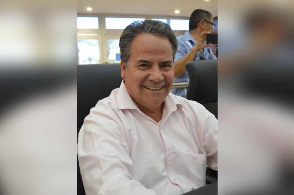 """""""Se suma EMPRHOTUR La Paz a la defensa del pez dorado"""": Diputado Ramiro Ruiz Flores"""