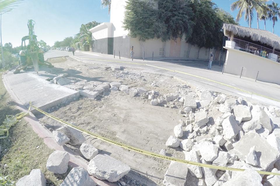 Rehabilitan calles y avenidas de CSL