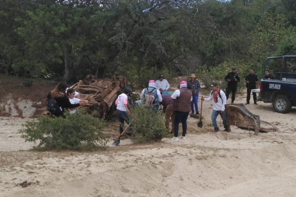 Confirman localización de restos en camioneta calcinada.