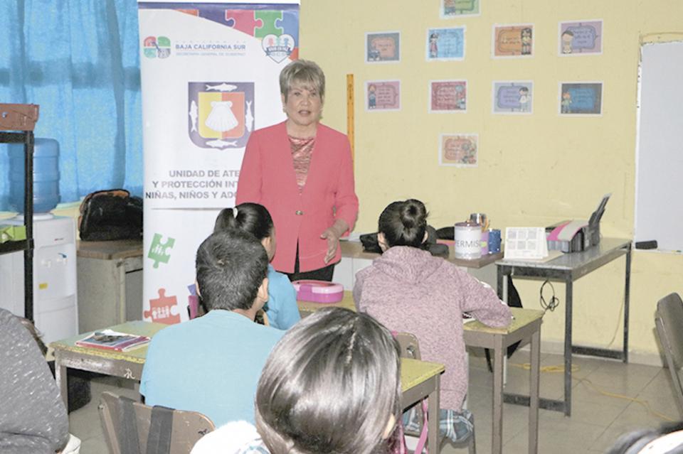 Imparten pláticas sobre derechos de niñas, niños y adolescentes
