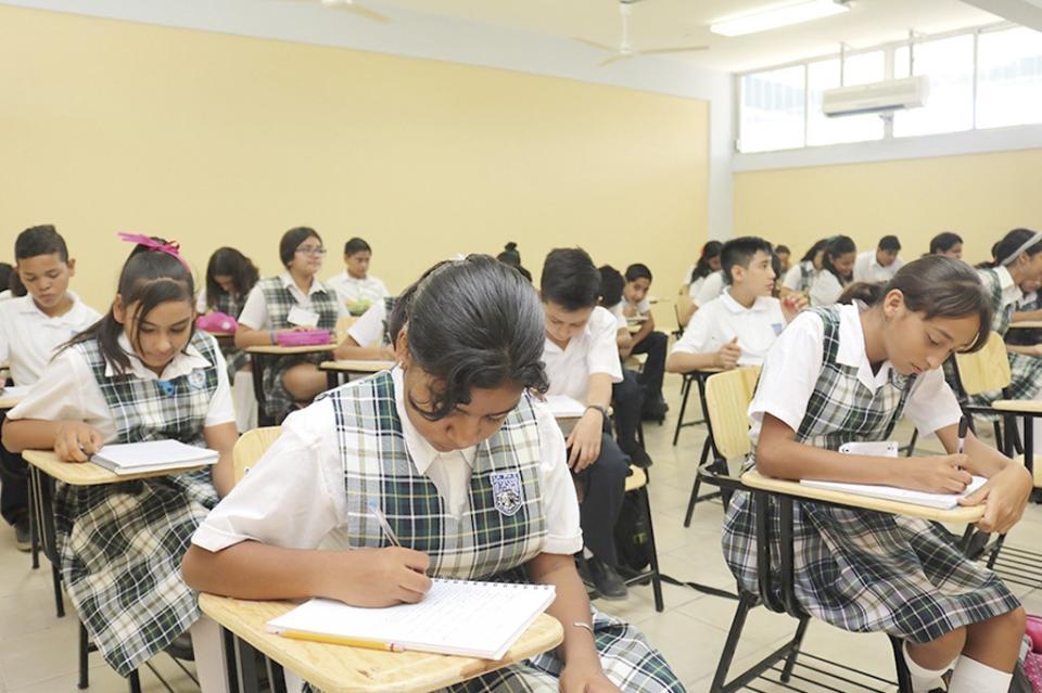 Trabaja SEP en procesamiento de evaluación aplicada en secundarias