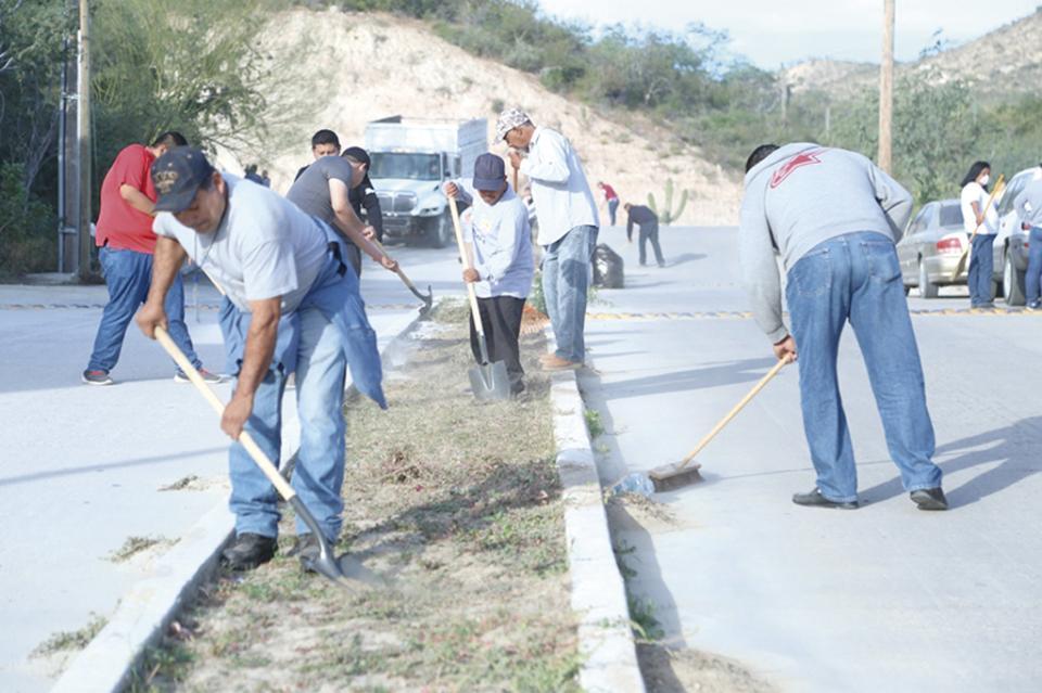 Realizan jornada de limpieza en  colonia El Chamizal