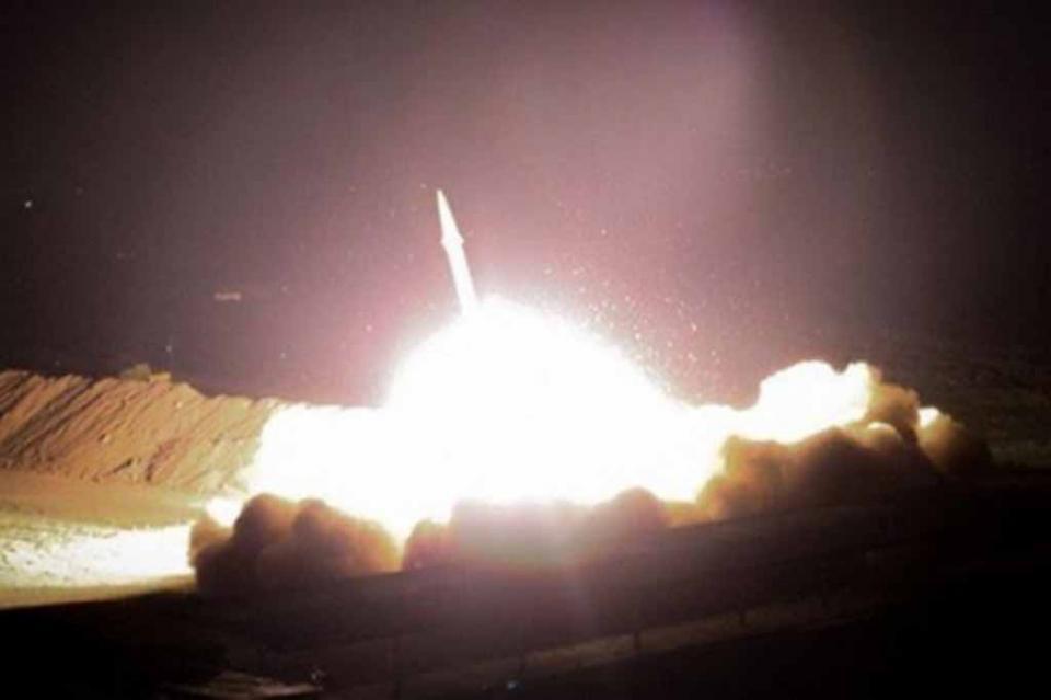 Misiles impactan contra base de EUA en Irak