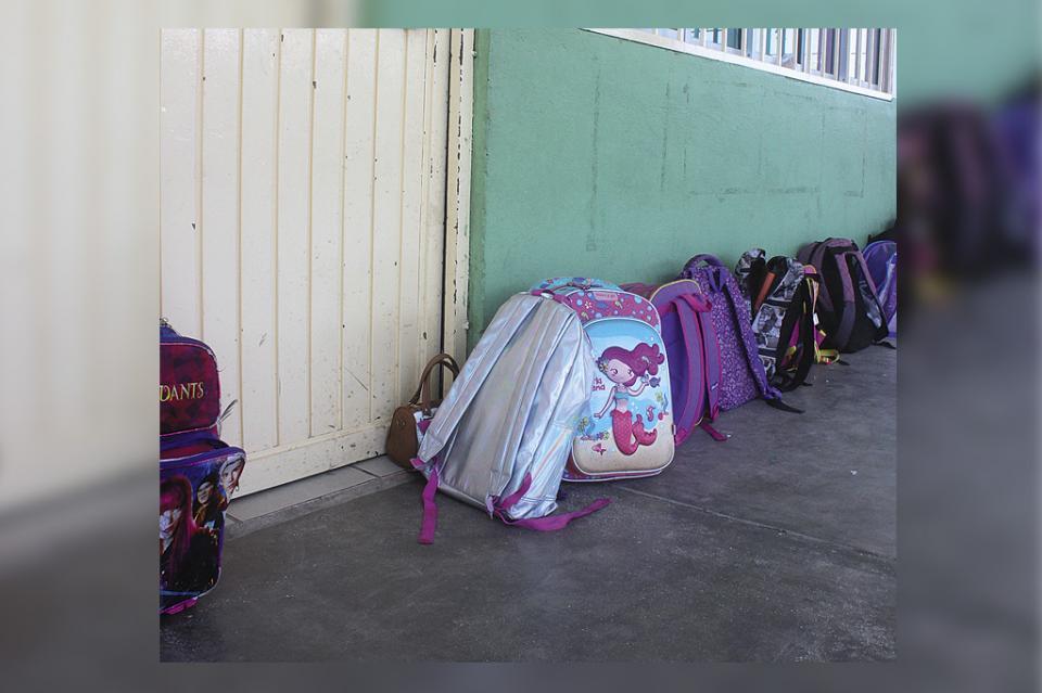 Desde el hogar se debe revisar la mochila