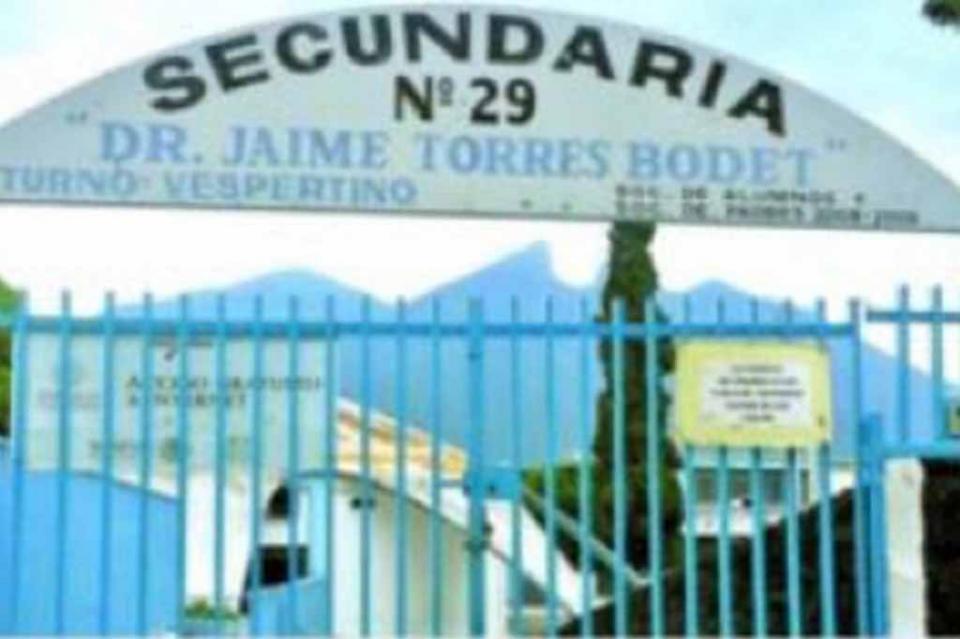 Refuerzan vigilancia en secundaria de Monterrey tras amenaza de tiroteo