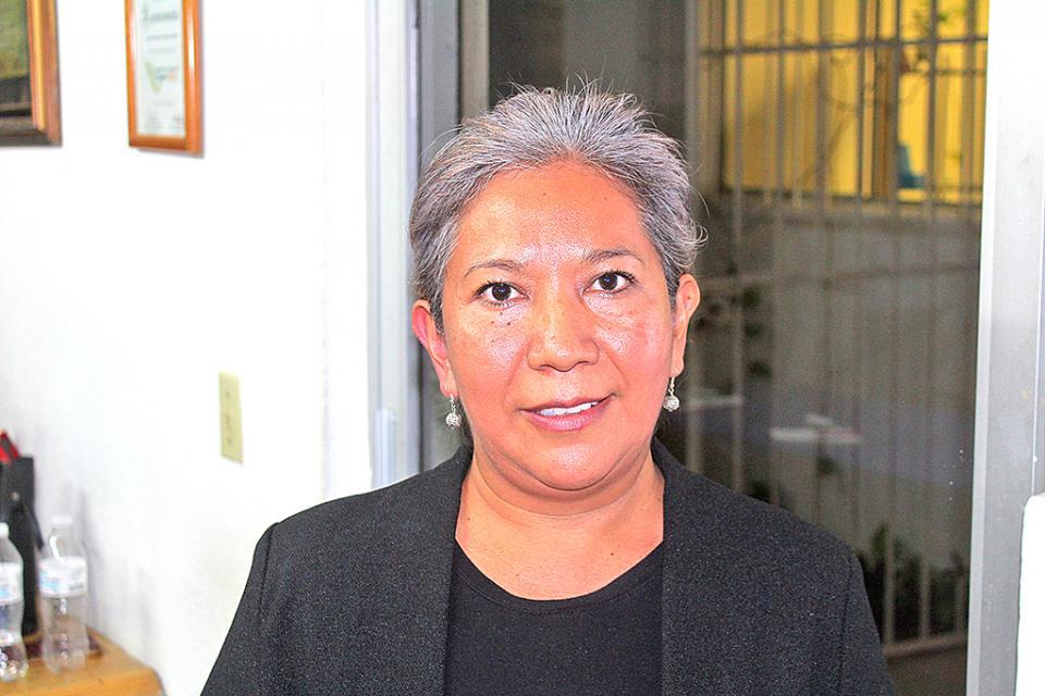 Otorgan Galardón a Andrea Manzanares; llegó a Los Cabos huyendo de violencia intrafamiliar