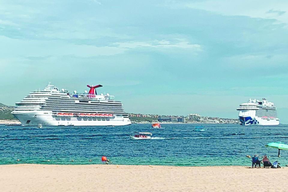 Hoy  domingo cuádruple arribo de cruceros y lunes triple
