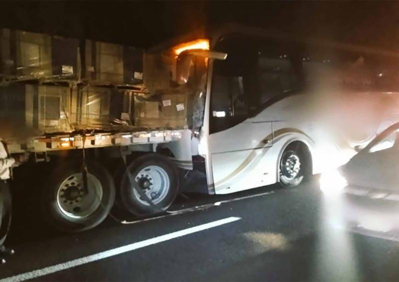 Deja dos muertos y 15 lesionados accidente en la México-Cuernavaca