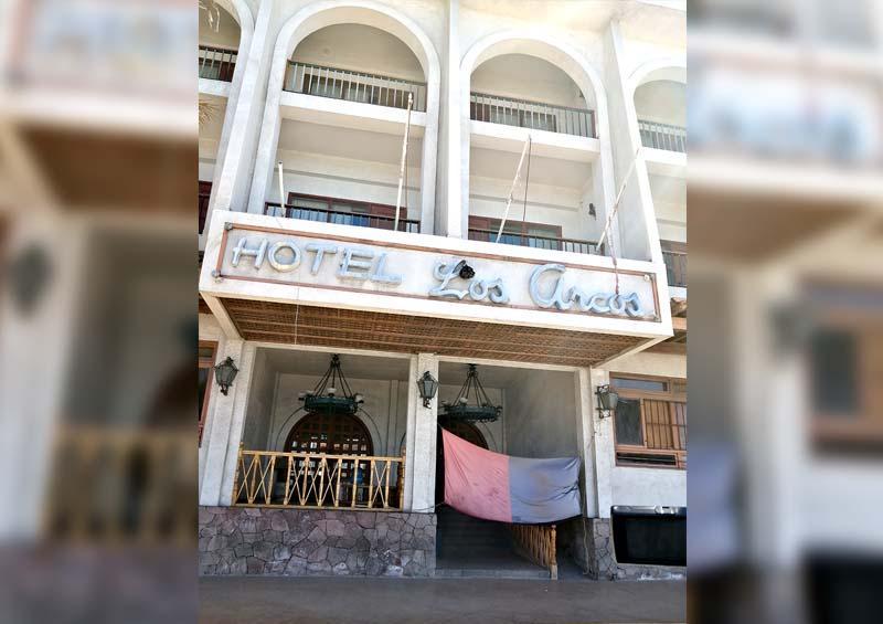 Esperan ex trabajadores del hotel Los Arcos resolución federal para poder rematar inmueble