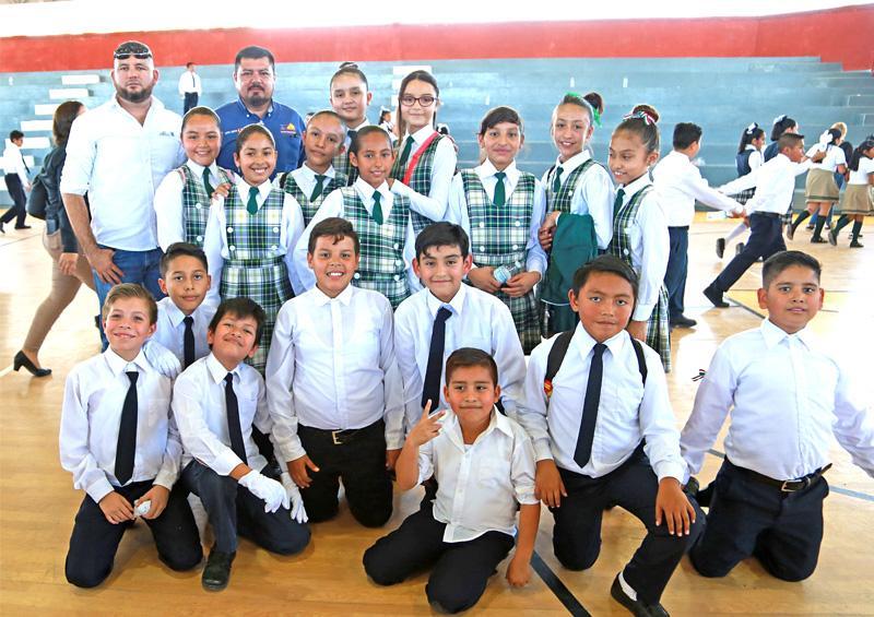 """Participan 220 alumnos en concurso municipal de """"Poesía Coral"""""""