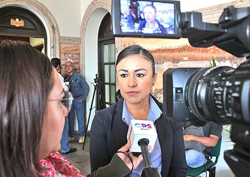 """""""Gestionarán alrededor de 10 mdp para rehabilitación de la pista de atletismo de unidad deportiva"""" Directora del Indem"""