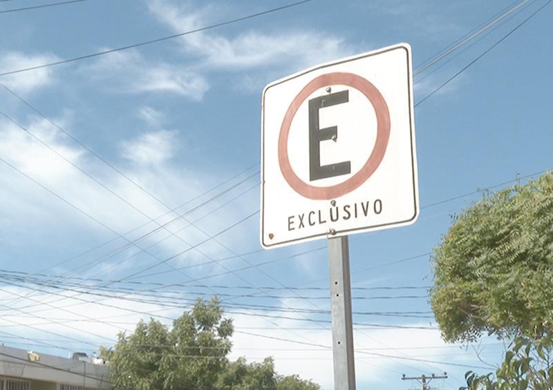 Pondrán orden en los  estacionamientos exclusivos