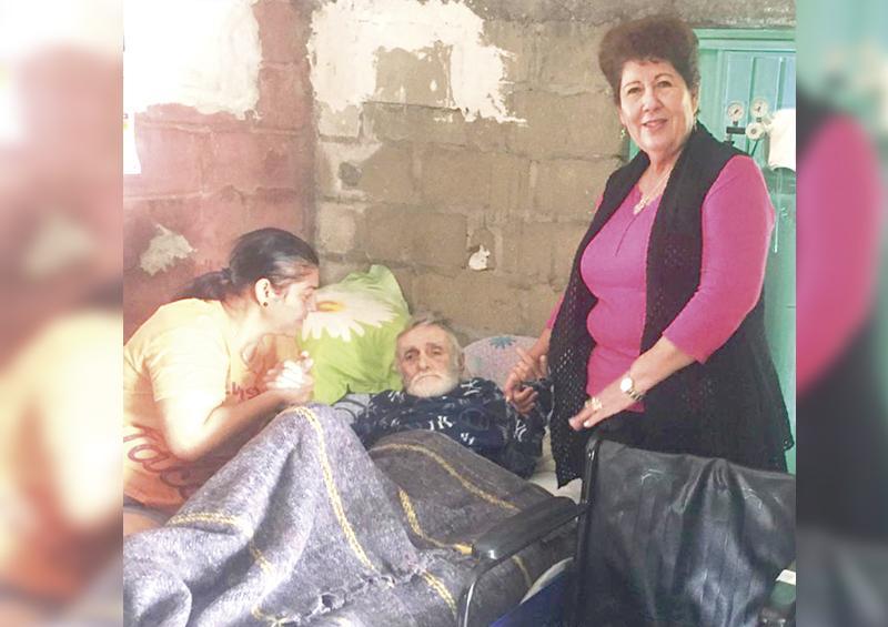 Entrega DIF Los Cabos apoyos a familias en situación  vulnerable y personas con discapacidad