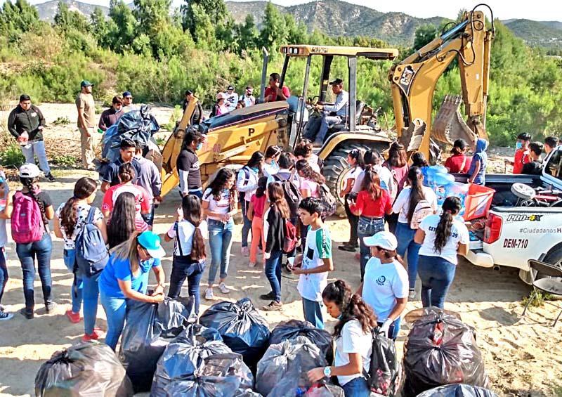 Realizan campaña de limpieza en el Estero de San José del Cabo