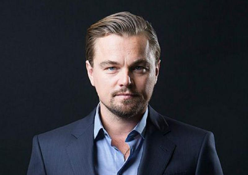 Leonardo DiCaprio ayuda a un turista perdido
