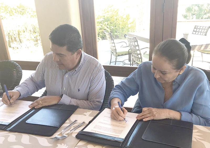 Acuerdan Cecyt y Fundación Questro acciones para reforzar  valores en los 4 planteles de Los Cabos