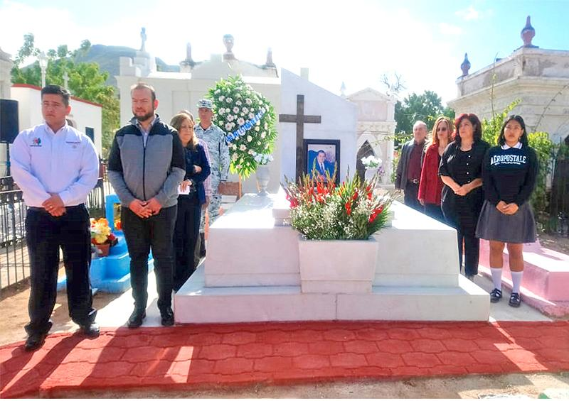 Rinden homenaje al ex gobernador Víctor Manuel Liceaga Ruibal  a 8 años de su fallecimiento