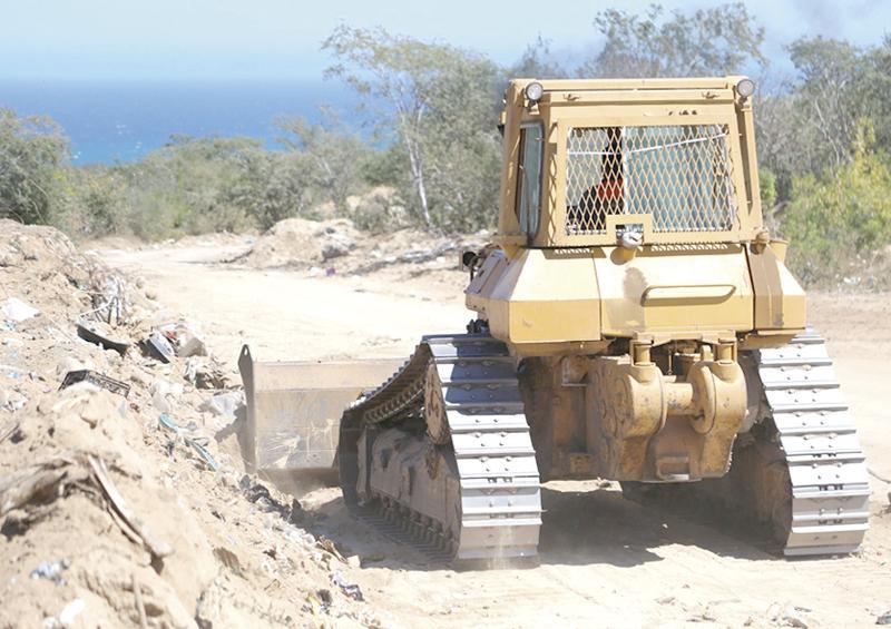 Realizan mantenimiento en tiradero  de basura en Buenavista