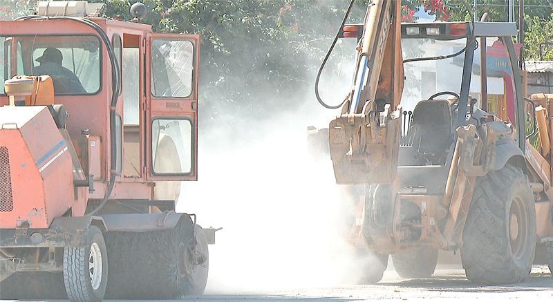 Ciudadanos paceños denuncian tardanza en obras de pavimentación
