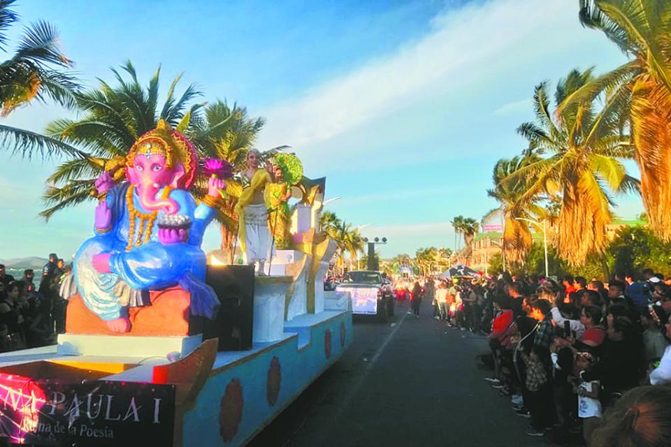 Color y ambiente en el primer desfile del Carnaval La Paz