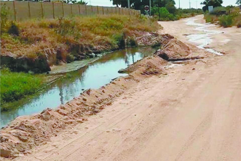 Siguen los problemas de  contaminación por una gran fuga  de aguas negras en El Pescadero