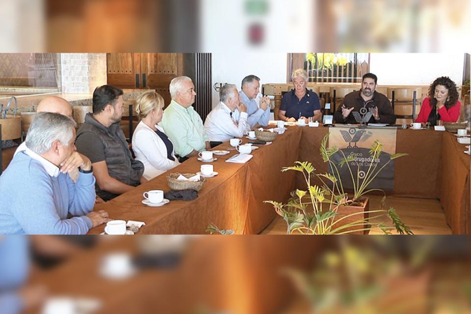 """""""De 70 a 80% de los ingresos se van a costo de administración"""": Alejandro Aréchiga a Madrugadores de Los Cabos"""