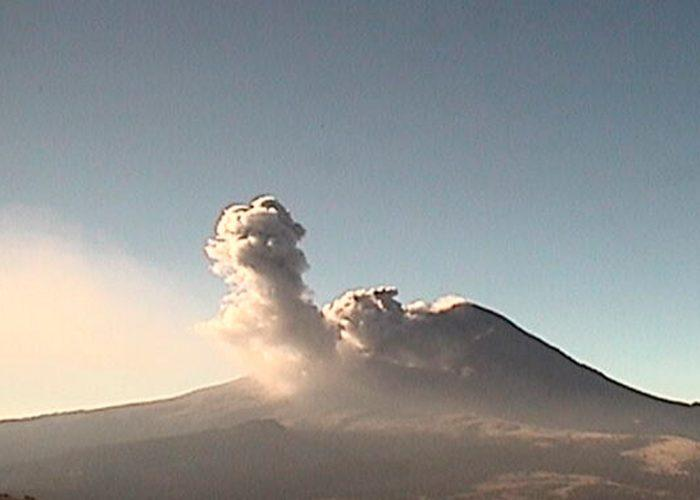 Emite el Popocatépetl 163 exhalaciones en últimas 24 horas