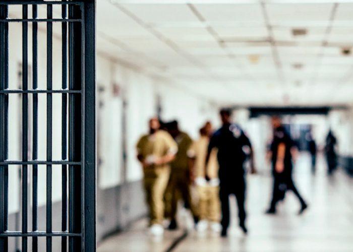 Las cárceles de Nueva York, laberinto de contagio de la pandemia