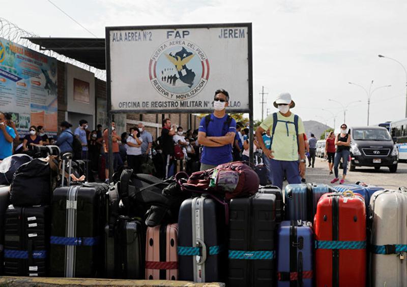 Al menos 800 turistas varados en Lima y Cuzco tras el cierre de aeropuertos por COVID-19