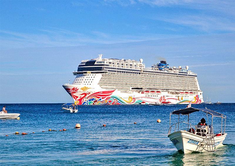 Dejan cruceros 14 mdd de  derrama económica en Los Cabos
