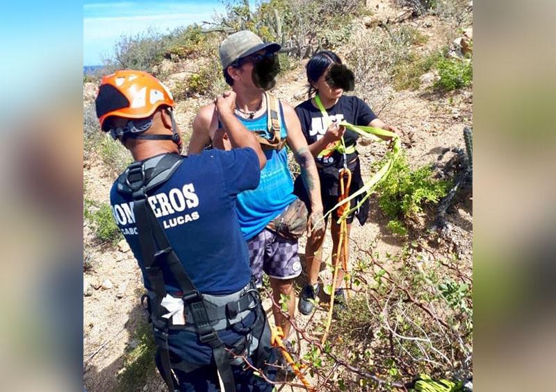 Rescata Bomberos de CSL a personas en el Cerro del Vigía