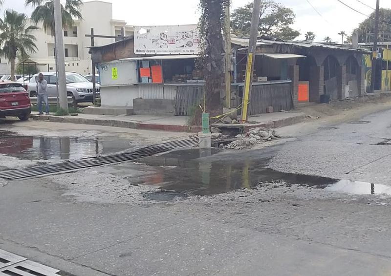 Continúan los derrames de aguas negras en la zona centro