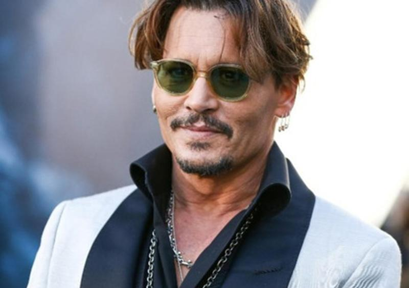 """Exnovias de Johnny Depp salen en su defensa: """"Nunca fue violento"""""""