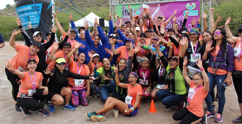 """Gran participación en carrera pedestre """"Por las Mujeres"""" en La Paz"""