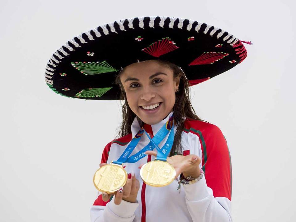 Paola Longoria logró dos títulos en un día