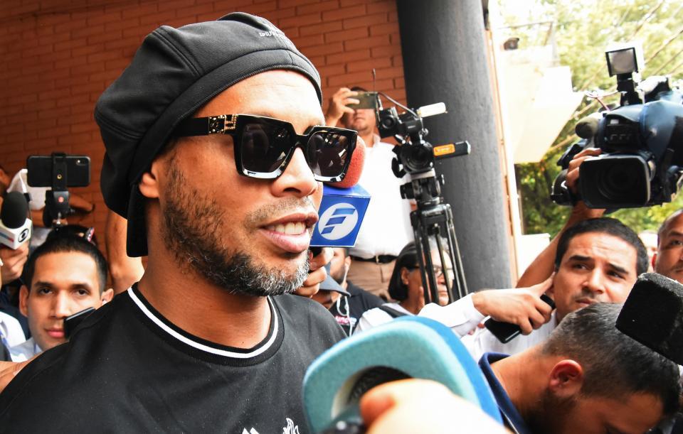 Fiscalía de Paraguay dejó en libertad a Ronaldinho
